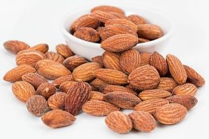 Almonds - Healthy snacks for teeth